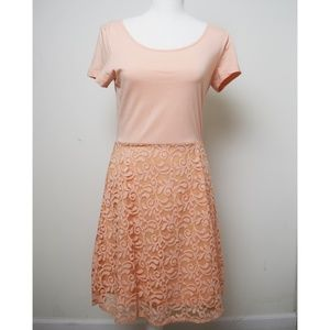 Short Sleeve Casual Dress -- Size M